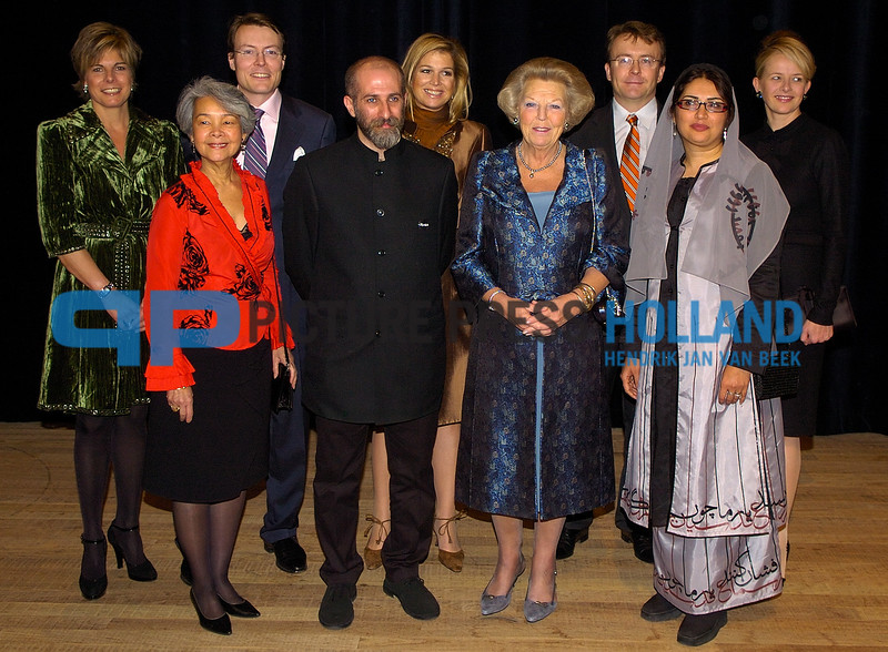 13-12-2006 AMSTERDAM Prince Claus Price Members of the Royal family attended the Prince Claus Prince in the Musicbuilding in Amsterdam. Princess Maxima, Princess Laurentien, Princess Mabel, Queen Beatrix, prince Constantijn and prince Friso. <br /> Reza Abedini from Iran and Gonalves-Ho Kang You received the award. ©Hendrik Jan van Beek 0031653382133
