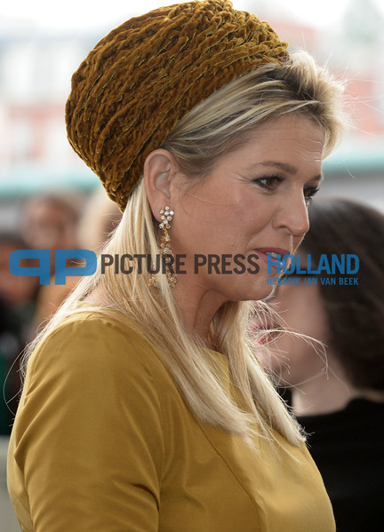 Maxima at the opening of the Kazimir Malevich exhibition in Amsterdam.
