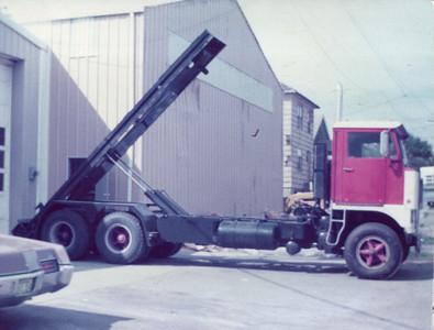1973 Roll Off Truck #D-7