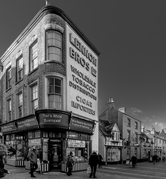 Lennon Bros, Market Place, Rugby