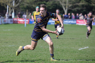 Worthing Raiders v Henley 140418-0323