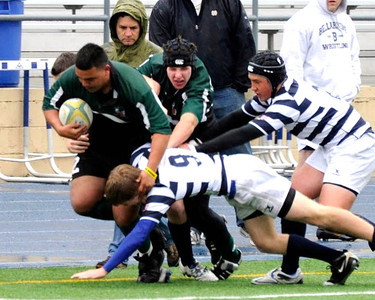 2011 - Pen Green vs Bellarmine - Alex Avendano on the run in traffic with Mac Johnston in support.