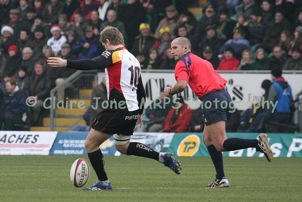 Ollie Thomas kick off, referee Mark Wilson