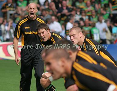 Jim Mallinder warming up the troops - Alex Rae, Darren Fox