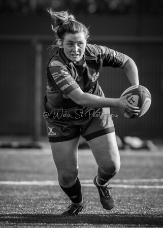 Women's Regional Rugby, Dragons Ladies v Cardiff Blues Ladies on Sunday October 15 2017 at CCB Centre of Sporting Excellence, Ystrad Mynach, South Wales. Photographer : Simon Latham