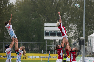 Jen Kish reaches for the lineout ball