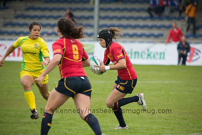 Vanessa Rial with the ball