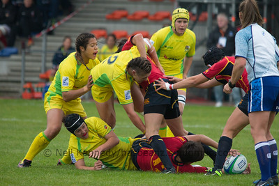 Sharni Williams tries to drive through the ruck.