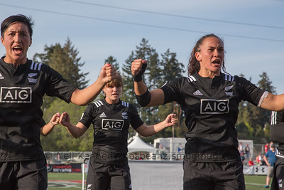 Sarah Goss and Portia Woodman in the front row of the haka