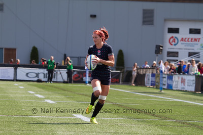 Jo Watmore with the ball