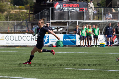 Natasha Brennan with the ball