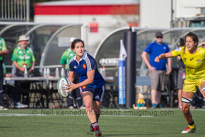 Pauline Biscarat passes