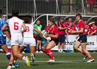 Nadezda Kudinova with the ball