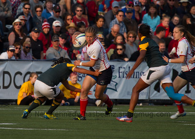 Maria Semchuk with the ball