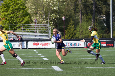 Emma Tonegato with the ball