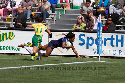 Ellia Green score a try