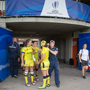 Chloe Dalton, Shannon Parry and coach Tim Walsh before the game