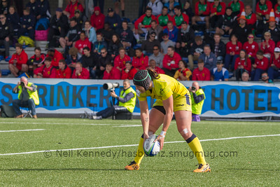 Sharni Williams touches down for a try