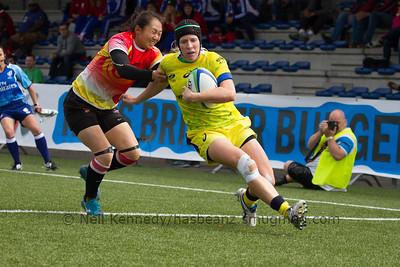 Gemma Etheridge scores a try