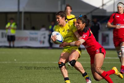 Magali Harvey tackles Charlotte Caslick