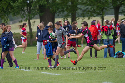 Rhian Nokes runs with the ball for the try line