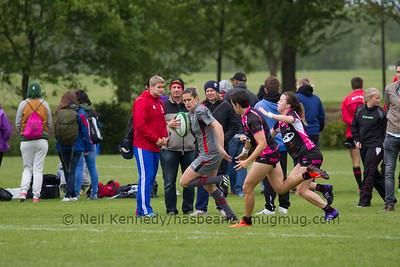 Rhian Nokes runs with the ball
