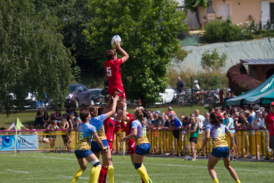 SionedHarries takes the lineout