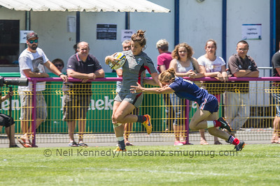 Sioned Harries is tackled by Pauline Biscarat