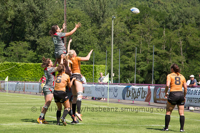 Sioned Harries at the lineout