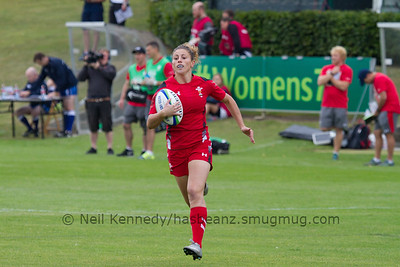 Jess Kavanagh runs in for a try
