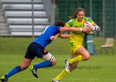 Australia 7s Chloe Dalton is tackled by France's Shannon Izar