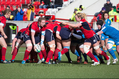 Jade Konkel picks up the ball at the scrum