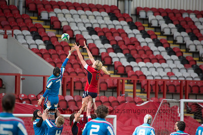 Rachael Cook reaches for the ball at he line out
