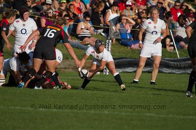 Bianca Blackburn passing the ball