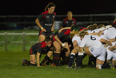 Maple Leafs, forwards Number 8 Cindy Nelles (Capt) and blind side flanker Fabiola Forteza at the scrum