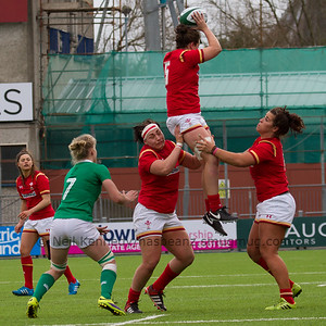 Sioned Harries collects the lineout ball, lifted by Amy Evans and Shona Powell-Hughes