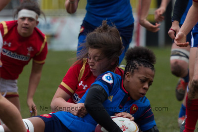Sioned Harries tackled Romane Menager