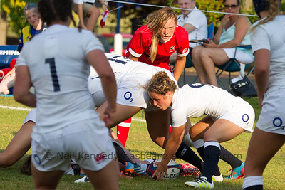 England's Lucy Nye retrieves the ball at the breakdown