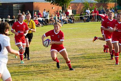 Justine Pelletier (Club de Rugby de Quebec), Quebec City, QC advances with the ball