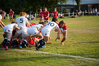 Erin Geddes comes off the breakdown with the ball