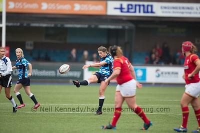 Helen Nelson kicks