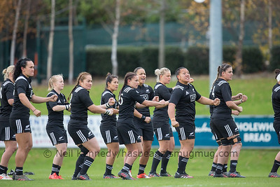 Haka: Honey Hireme makes the calls from behind the front four, Fiao'o Fa'amausili, Selica Winiata, Toka Natua, Eloise Blackwell