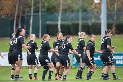 Haka: Honey Hireme makes the calls from behind the front five, Portia Woodman, Fiao'o Fa'amausili, Selica Winiata, Toka Natua, Eloise Blackwell