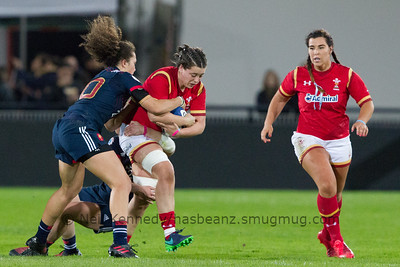 Caroline Drouin tackles Sioned Harries
