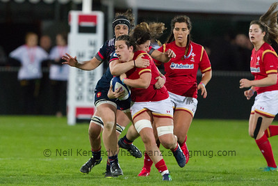 Sioned Harries is tackled by Lise Arricastre