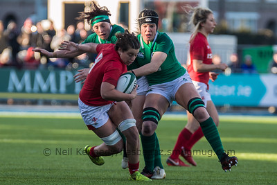 Sioned Harries with the ball
