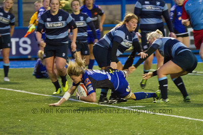 Rachel Taylor dives over the line