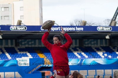 Sioned Harries with the practice lineout take