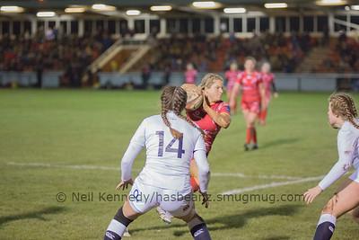 Paula Robinson with the ball