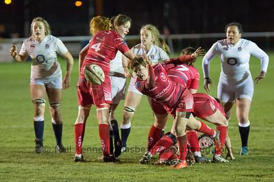 Gemma Stonebridge-Smith passes the ball